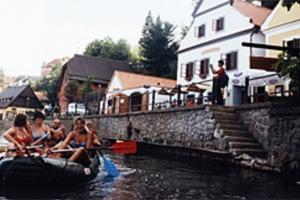 Sjíždění Vltavy 2003